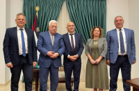 Abbas invites all Israeli ministers to talk with him after Meretz visit