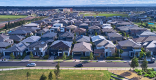Up to 40,000 Aussie homes to get solar + battery storage in major deal between Tesla, Stockland and Natural Solar