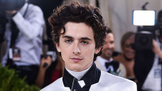 Timothee Chalamet Transforms Into The Iconic Willy Wonka For New Film — See 1st Pics