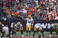 Packers offensive line getting healthier ahead of battle with Bears pass rush